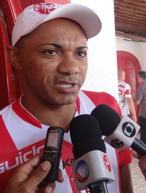"""Lima dz que """"não pensou duas vezes"""" para fechar com Galo (Foto: Nívio Dorta/GloboEsporte.com)"""