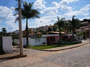 Parque em Oliveira está fechado por tempo indeterminado (Foto: Marcelo Praxesdes/Sociedade FM)