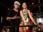 Paloma Bernardi brilha em noite de coroação como rainha da Grande Rio