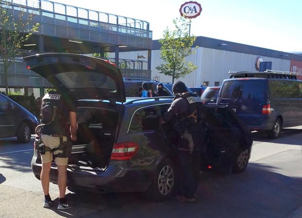 Ataque ocorreu em cinema da cidade de Viernheim, perto de Frankfurt (Foto: Ralf Banser/Reuters)