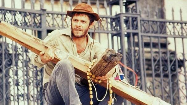 José Mayer, em O Pagador de Promessas, série de 1988 que vira filme no Luz, Câmera 50 Anos (Foto: CEDOC Globo)