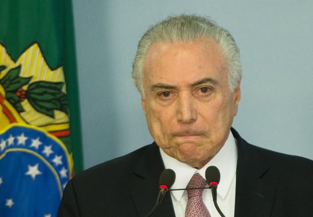 O presidente Michel Temer durante pronunciamento com parlamentares que apoiam o governo após denúncia da PGR (Foto: Lula Marques/AGPT)