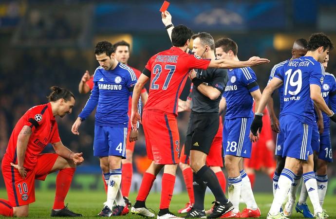 Ibrahimovic Chelsea X PSG (Foto: Agência Reutes)