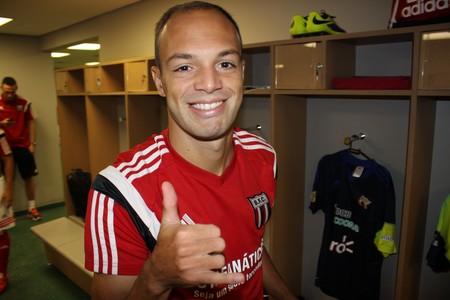 Carlão, atacante do Botafogo-SP (Foto: Rogério Moroti/Ag. Botafogo)
