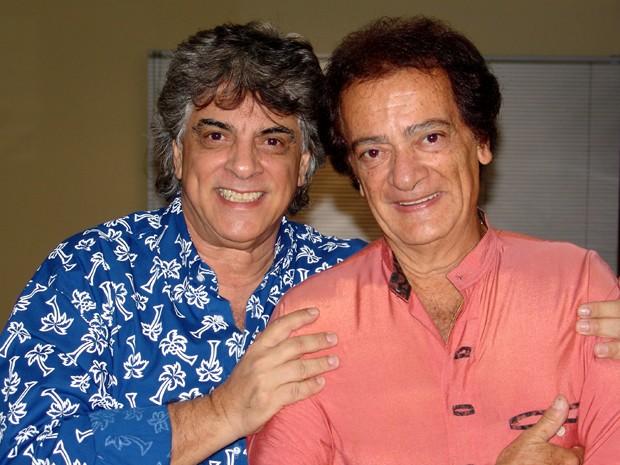 Márcio Antonucci (esquerda), ao lado do irmão Ronald, com quem formava a dupla Os Vips (Foto: Divulgação / DGC Produções)
