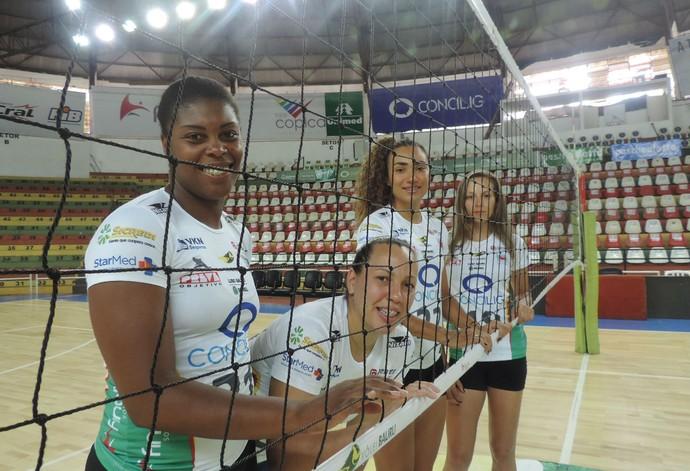 Bianca, Aline, Carol e Hellen são os reforços do Vôlei Bauru para a Superliga B 2015 (Foto: Sérgio Pais)