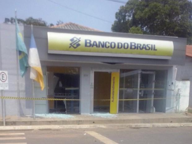 Caixas eletrônicos foram explodidos em agência do Banco do Brasil (Foto: Divulgação)