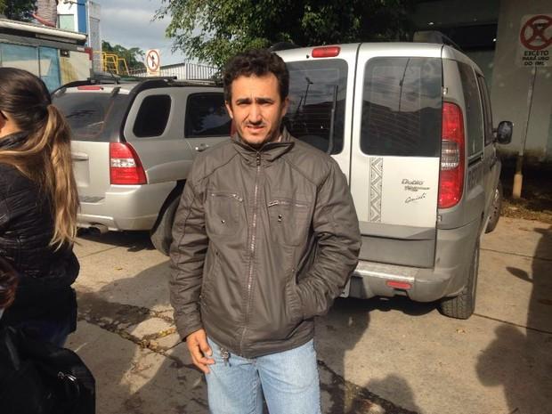 Francisco foi liberar o corpo do irmão Damião (Foto: João Paulo de Castro/G1)