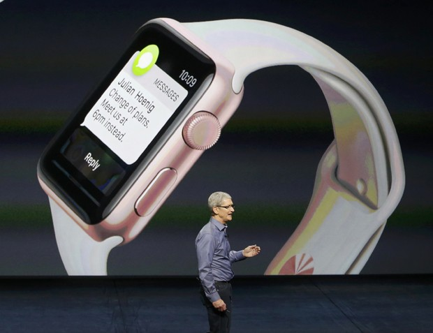 Tim Cook, presidente-executivo da Apple, apresentou nova versão do sistema operacional do Apple Watch (Foto: Reuters/Beck Diefenbach)