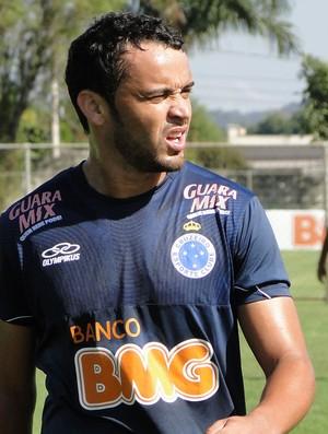 Charles, volante do Cruzeiro (Foto: Valeska Silva / Globoesporte.com)