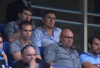 Cristian Rodríguez, o Cebolla, assiste a partida de Grêmio e Juventude-RS  (Foto: Reprodução)
