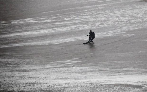 Maya Gabeira acidente surfe (Foto: EFE)