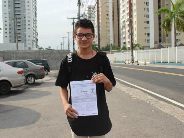 O estudante Angelo Santos, 18, pretende cursar Ciências Biológicas na Ufam (Foto: Ive Rylo)