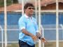 Após quatro derrotas em quatro jogos, René Simões é demitido do Macaé