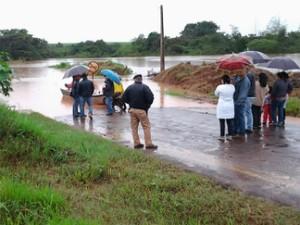 Os 2,3 mil habitantes de Mirador, no noroeste do Paraná, estão ilhados por causa da chuva. (Foto: Rodolfo Rodrigues Tenorio da Silva)