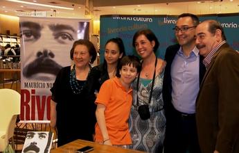 Maurício Noriega, do SporTV, lança livro que conta trajetória de Rivellino