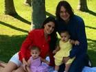 Leandro posa com a mulher e as filhas e se declara: 'Amor infinito'