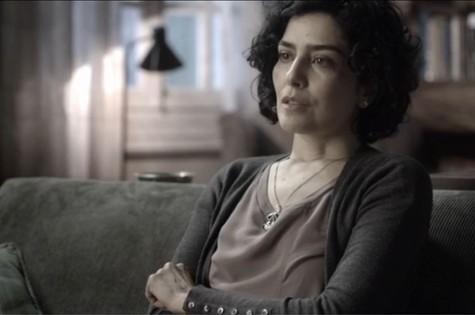 Letícia Sabatella em cena de 'Sessão de terapia', do GNT. Canal teve aumento de audiência desde que propaganda política começou (Foto: GNT)