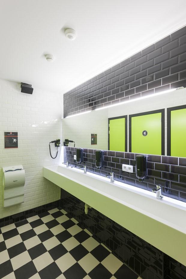 Hostel Colorido E Descolado Na B Lgica Casa Vogue Hot Is