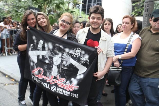 Fãs de Demi Lovato  (Foto: Leo Franco / AgNews)