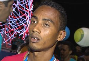 adriano porfírio, corredor adriano porfírio, meia maratona cabo branco, cabo branco (Foto: Reprodução / TV Cabo Branco)