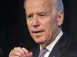 O vice-presidente dos EUA, Joe Biden, em foto de 16 de maio de 2014. Político foi convidado para baile de formatura e enviou arranjo de flores para jovem (Foto: Kevin Wolf/AP)