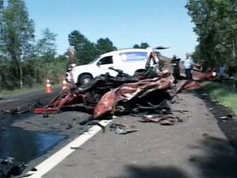 Acidente matou homem na BR-290 em Cachoeira do Sul (Foto: Reprodução/RBS TV)