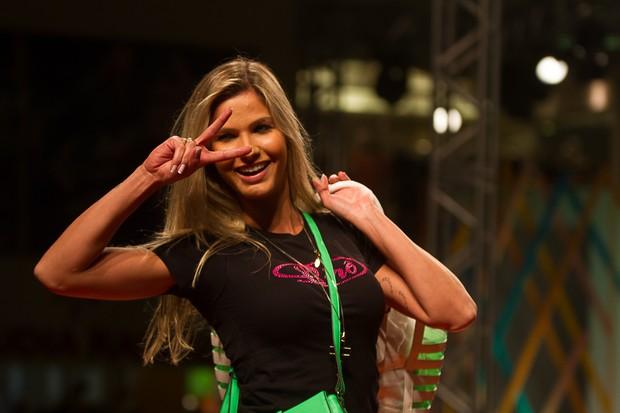 Andressa Suita desfila em São PAulo (Foto: Amauri Nehn / Foto Rio News)