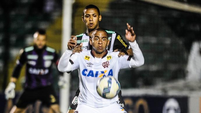 Figueirense x Atlético-PR Walter (Foto: Ag Estado)