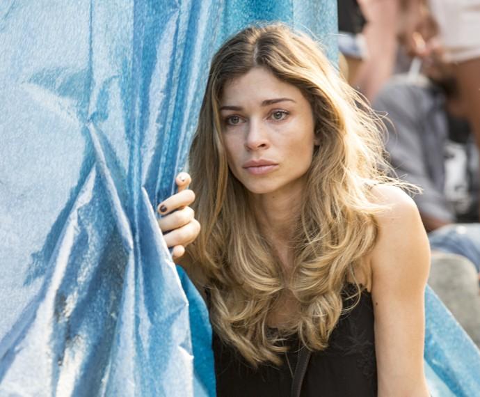 Larissa não segura a emoção (Foto: Felipe Monteiro/ Gshow)