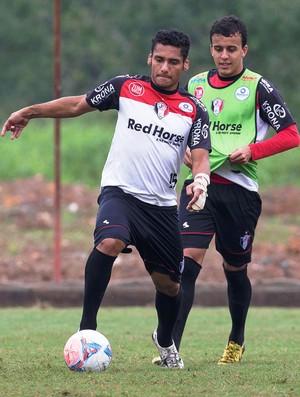 Wellington Bruno Matheus Carvalho treino Joinville JEC (Foto: LDF Sport Branding/Shadow-AIS)