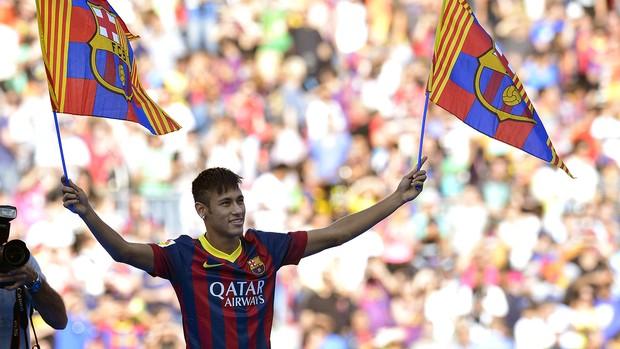 Neymar apresentação Barcelona (Foto: AFP)