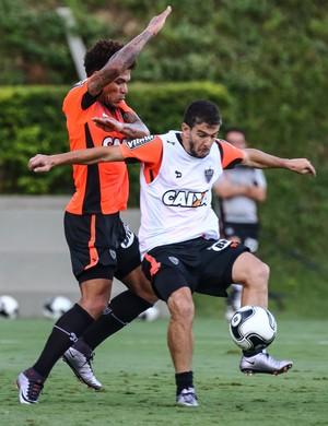 Júnior Urso, Leandro Donizete, Atlético-MG (Foto: Bruno Cantini/ Flickr Atlético-MG)