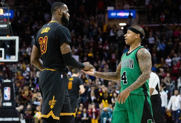 LeBron James e Isaiah Thomas se enfrentam no duelo Cleveland Cavaliers x Boston Celtics (Foto: Getty Images)