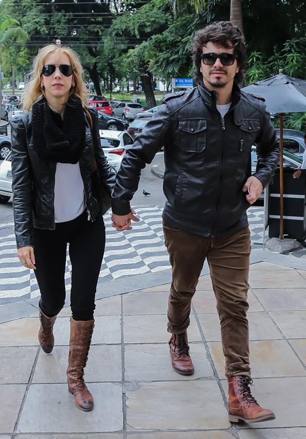 Kiara Sasso com o marido (Foto: Manuela Scarpa/Brazil News)