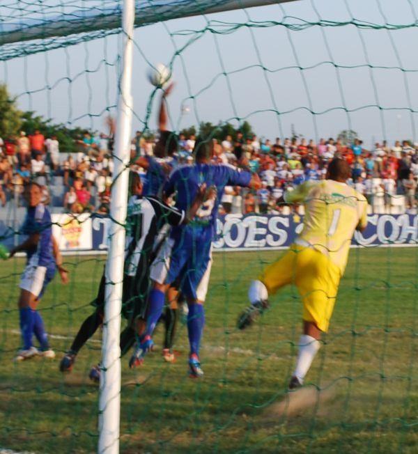 Gol irregular do Parnahyba (Foto: Gilson Brito/Acesso343)