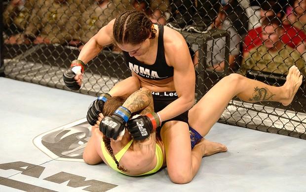 Amanda Nunes vitória luta UFC (Foto: Getty Images)
