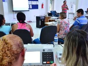 Treinamento já ocorreu em três municípios do interior e em Boa Vista (Foto: Divulgação/TRE)