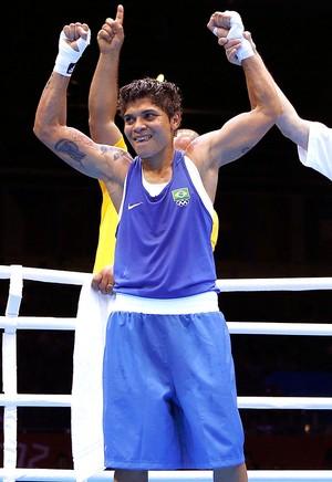 Adriana Araújo na luta de boxe contra Mahjouba Oubtil (Foto: Reuters)