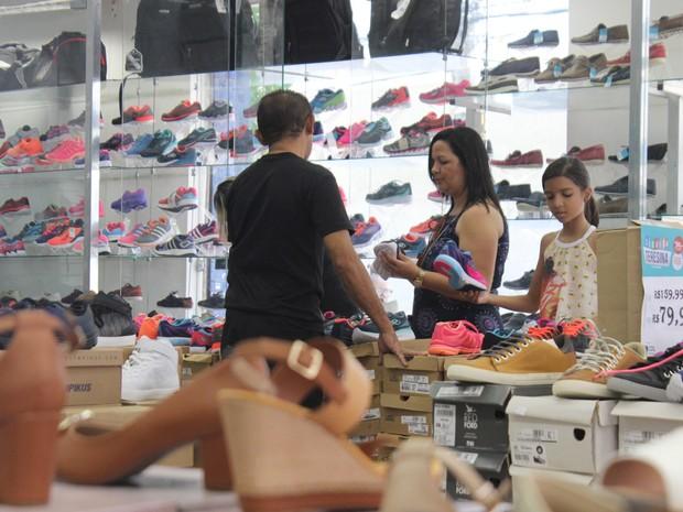 Lojas ficam movimentadas no Centro de Teresina (Foto: Fernando Brito/G1)