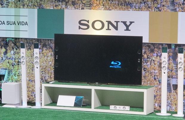 g1 sony apresenta tv 4k e home theater que aumenta volume da torcida not cias em tecnologia. Black Bedroom Furniture Sets. Home Design Ideas