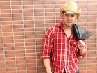 Finalista do Mister Brasil 2014, Andrio Frazon investe na música sertaneja