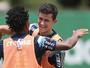 Palmeiras fecha trabalho para clássico e vai à Vila sem Egídio e Cleiton Xavier