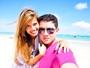 Casal se conhece através de rede social e namoro dá em casamento