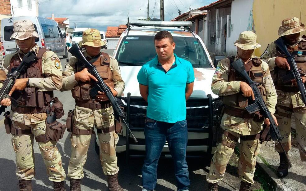 Homem foi preso em Feira de Santana, a 100 km de Salvador  (Foto: SSP-BA/ Divulgação)