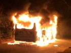 Ônibus é incendiado no Bairro Jardim Iracema, em Fortaleza