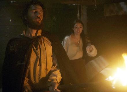 Thomas ameaça Anna e Joaquim e deixa o casal encurralado em incêndio