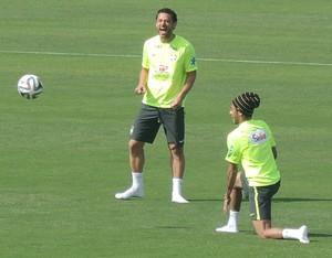 neymar fred marcelo altinho treino seleção brasileira (Foto: Leandro Canônico)
