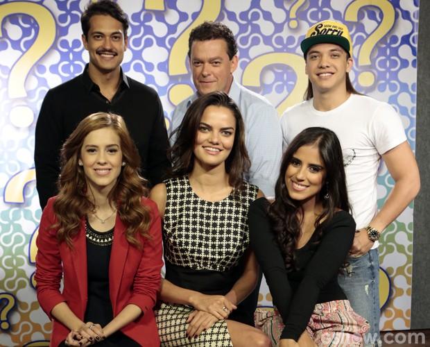 Famosos se reúnem para participar do 'Quem Está Mentindo?' (Foto: Felipe Monteiro / TV Globo)