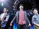 Jonas Brothers se despedem dos fãs anunciando disco com inéditas